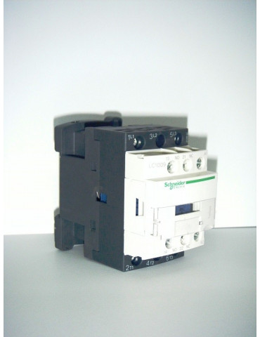 Contacteur tripolaire de puissance 18A bobine 24v AC 50hz ref: lc1d18b7